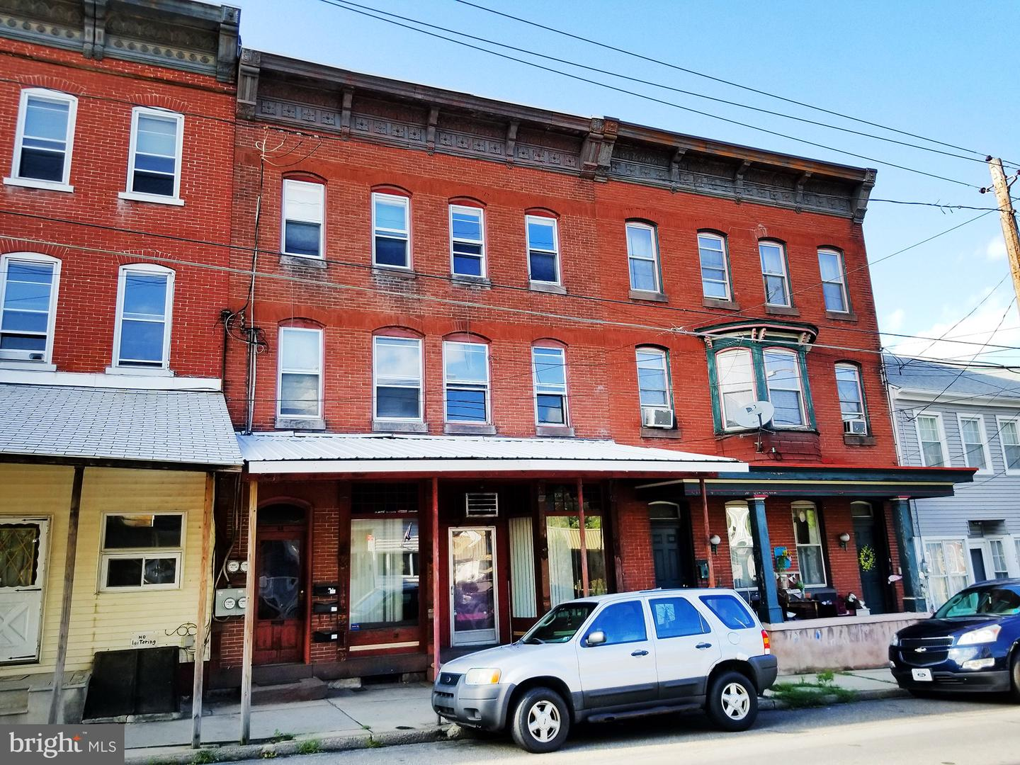 Triplex for Sale at Tremont, Pennsylvania 17981 United States