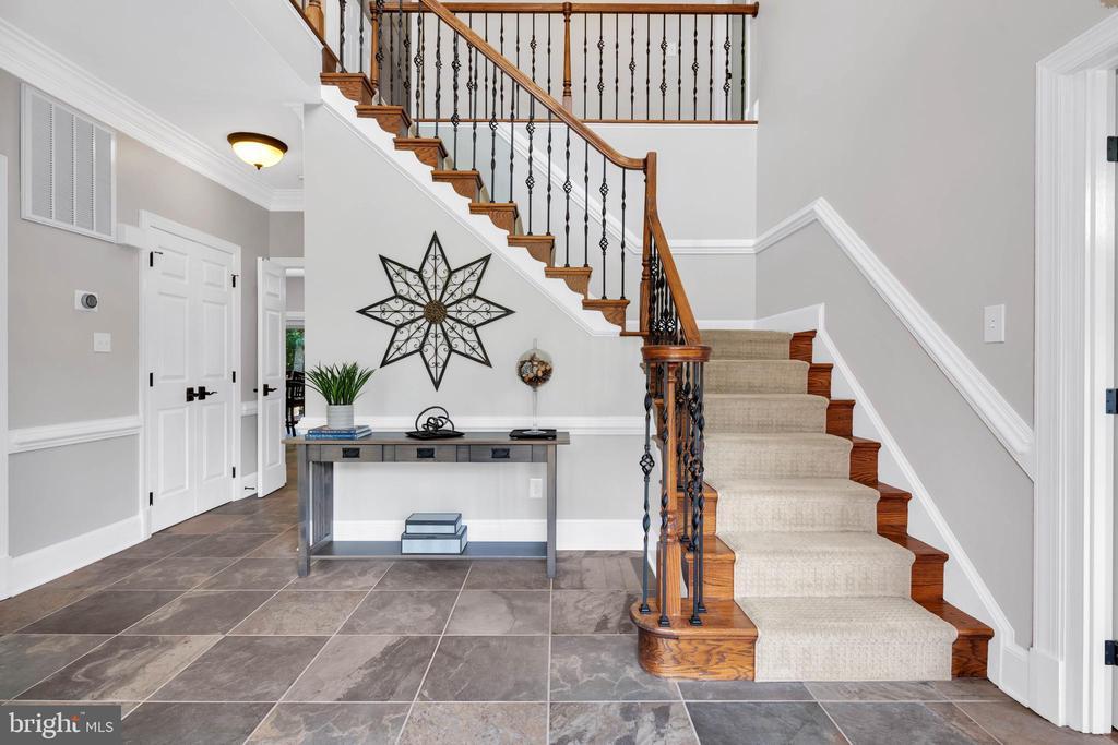 Beautiful 2-story Foyer - 8119 HADDINGTON CT, FAIRFAX STATION