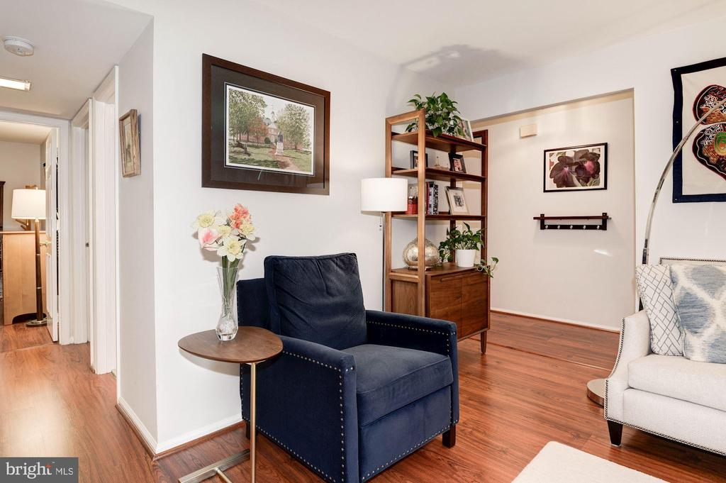 Living Room - Durable Wide Plank Laminate Floors! - 7758 NEW PROVIDENCE DR #10, FALLS CHURCH