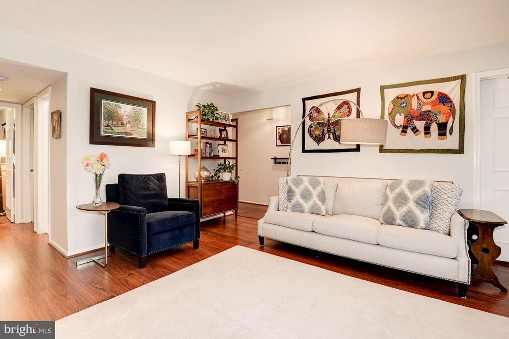 Living Room - Large, Spacious, Freshly Painted! - 7758 NEW PROVIDENCE DR #10, FALLS CHURCH