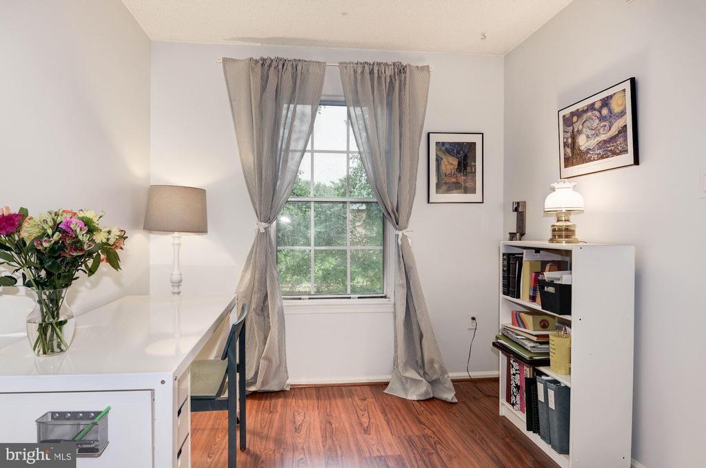 Bedroom #3 - Wide Plank Flooring - 7758 NEW PROVIDENCE DR #10, FALLS CHURCH