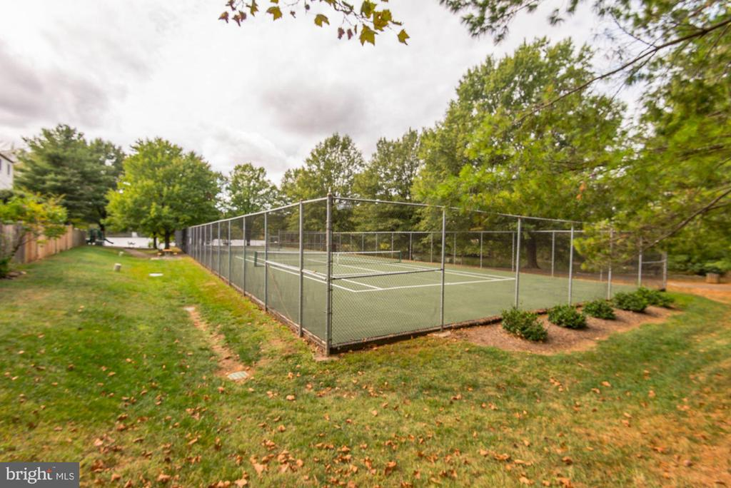 Community Tennis Courts - 7758 NEW PROVIDENCE DR #10, FALLS CHURCH