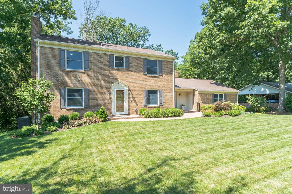 Instant pride and joy when this becomes yours - 10832 MIDDLEBORO DR, DAMASCUS