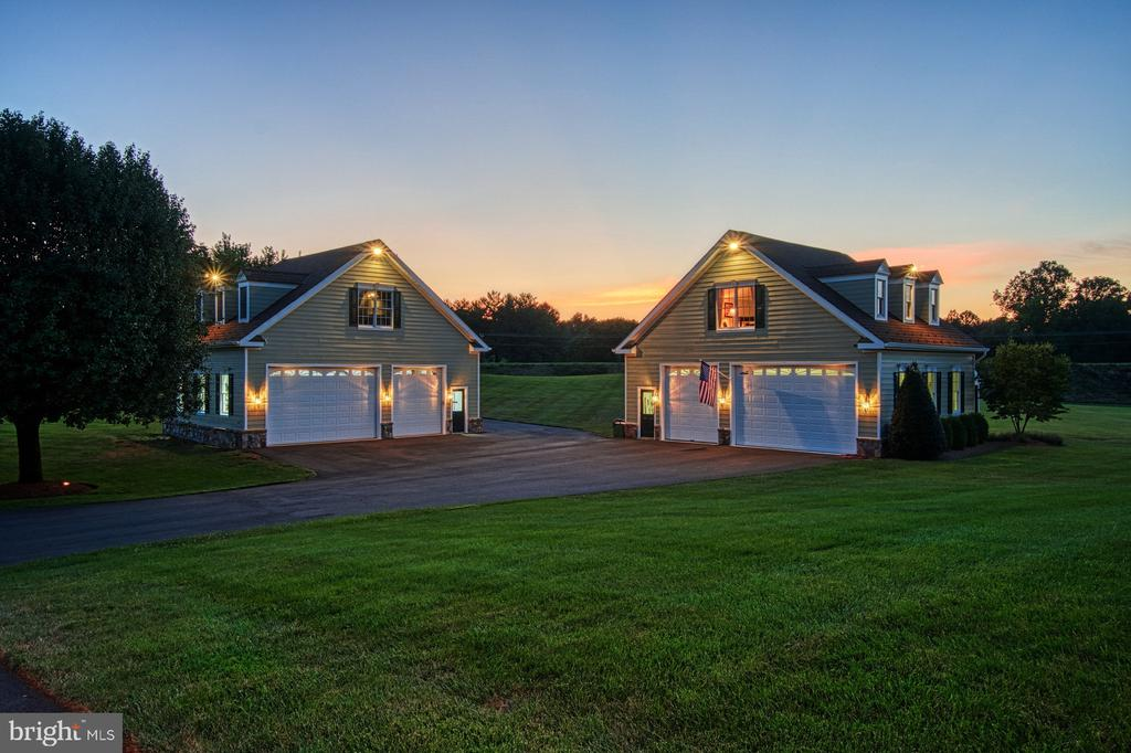 Additional 6 Car Garage with car lift - 17055 SPRING CREEK LN, LEESBURG
