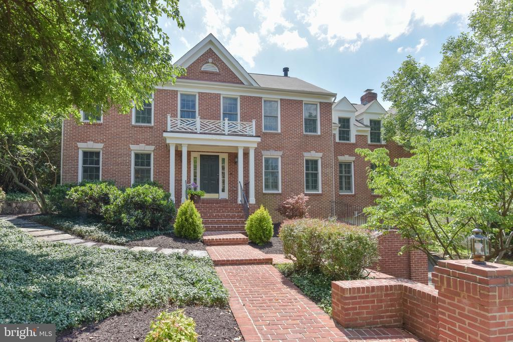 Classic Colonial in the City of Alexandria - 1000 DARTMOUTH RD, ALEXANDRIA