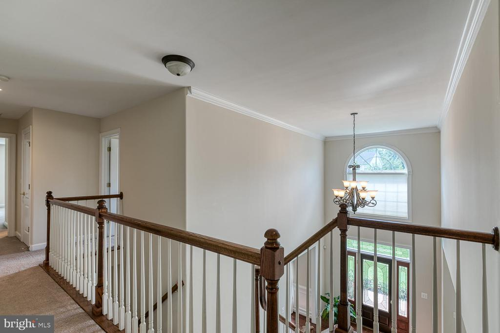 Two Story Foyer - 5 ABRAHAM CT, STAFFORD