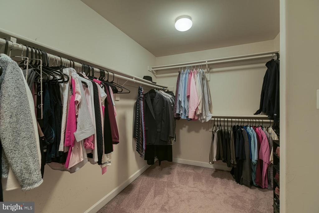 Master Closet Built for King and Queen - 5 ABRAHAM CT, STAFFORD
