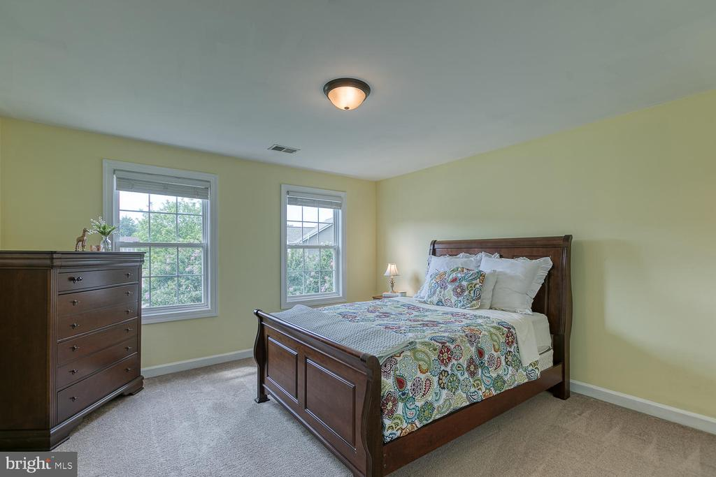 Spacious Bedroom 2 - 5 ABRAHAM CT, STAFFORD