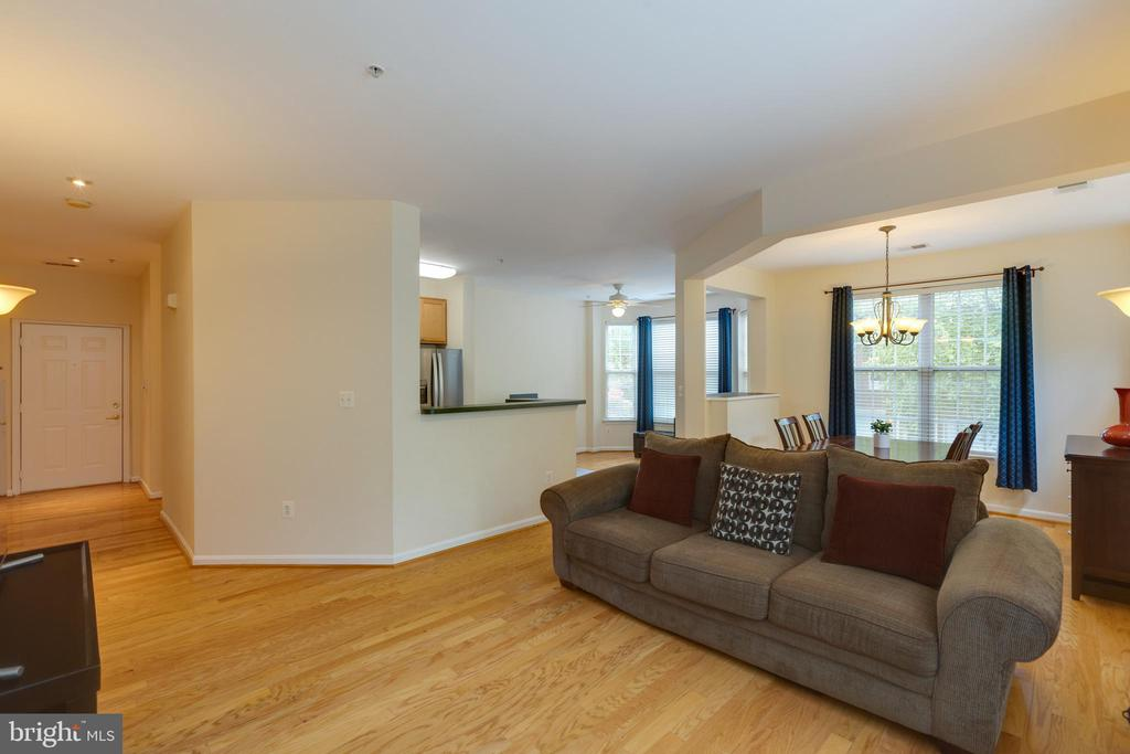 Open concept living room/dining room/ kitchen - 6495 TAYACK PL #201, ALEXANDRIA