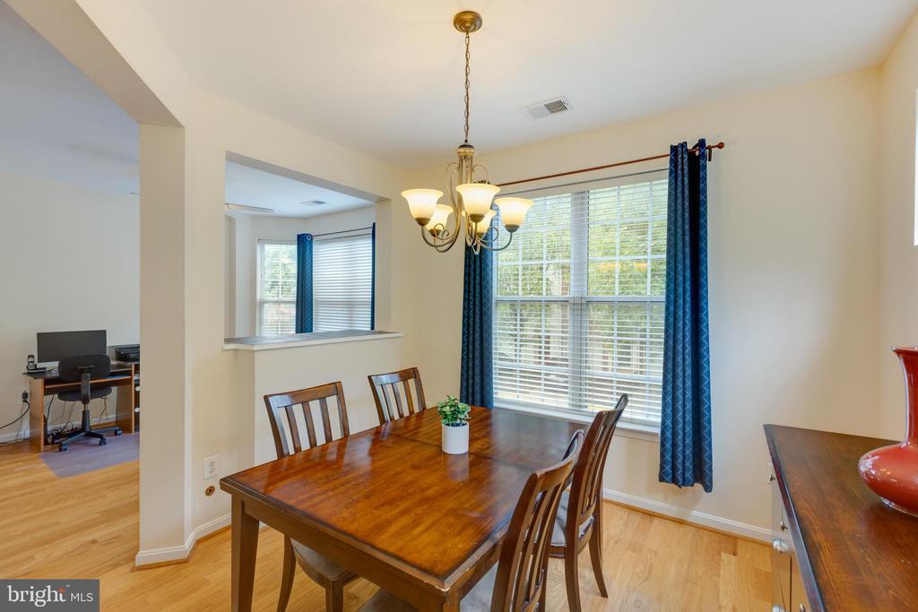 Spacious dining room - 6495 TAYACK PL #201, ALEXANDRIA