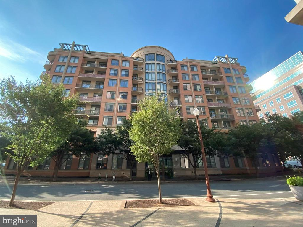 1650 Sq Ft, The Monroe at Virginia Square - 3625 10TH ST N #408, ARLINGTON