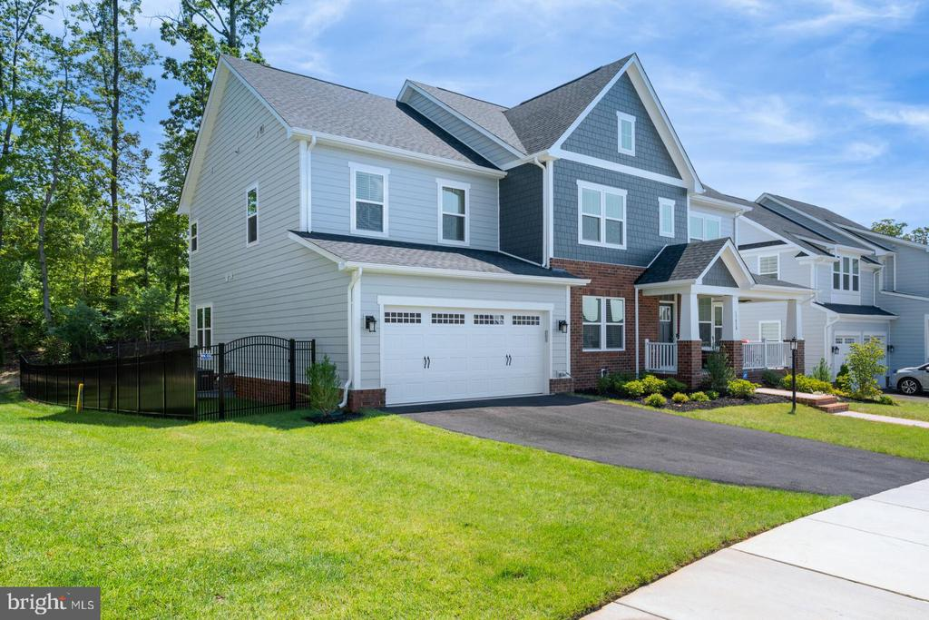 This home backs to the golf course - 17429 SPRING CRESS DR, DUMFRIES