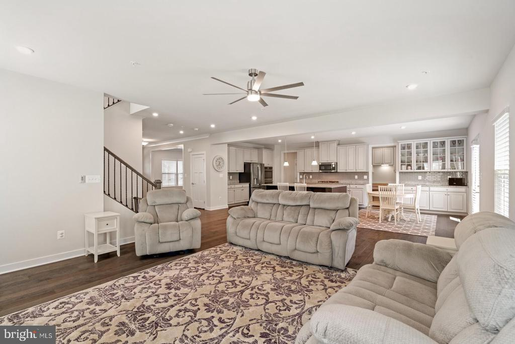 Open Concept living at its best - 17429 SPRING CRESS DR, DUMFRIES