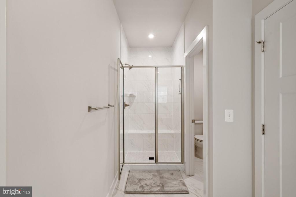 Shower - 17429 SPRING CRESS DR, DUMFRIES