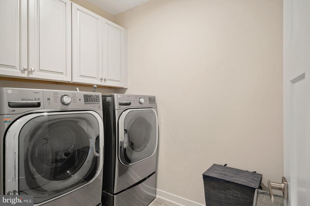 Laundry Room up- Washer & Dryer Convey - 17429 SPRING CRESS DR, DUMFRIES