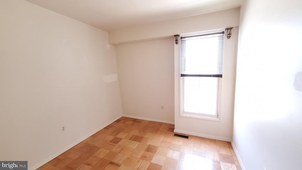 2nd bedroom - 307 SHENANDOAH ST SE, LEESBURG