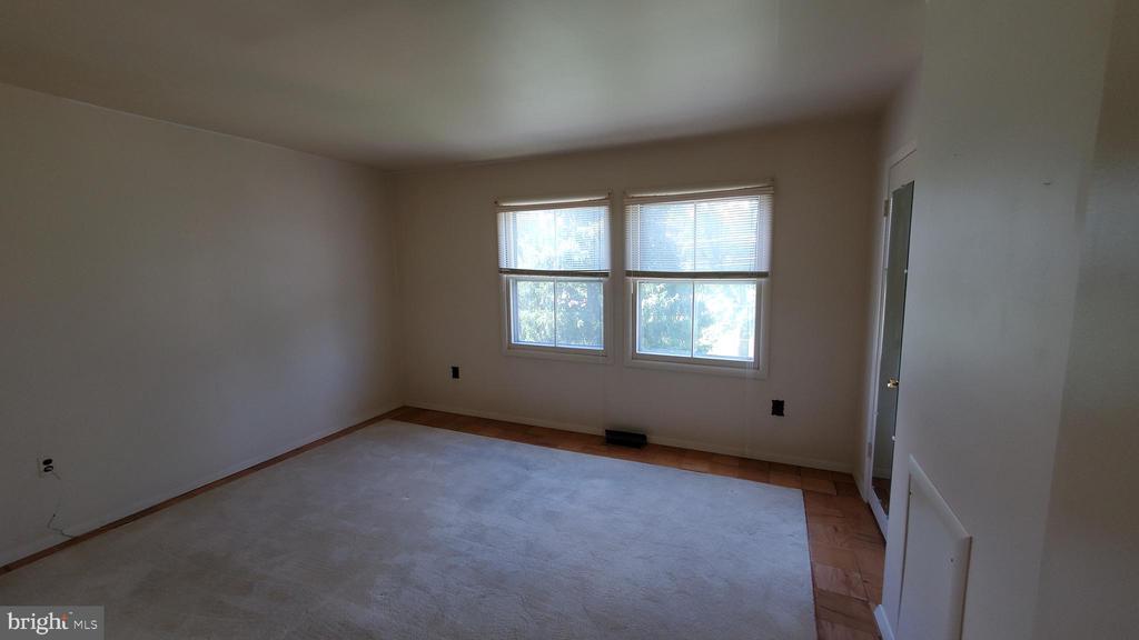 Master bedroom - 307 SHENANDOAH ST SE, LEESBURG