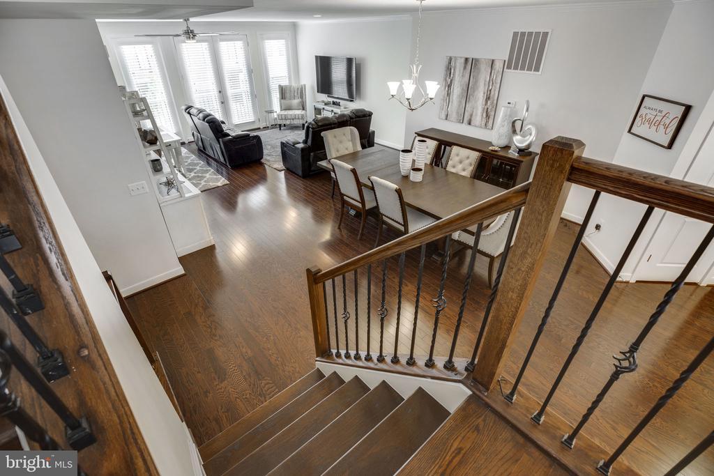 Very open floor plan - 42308 IMPERVIOUS TER, BRAMBLETON