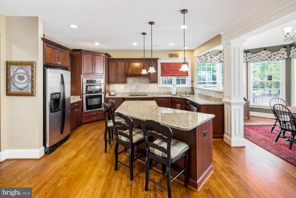 gourmet kitchen with breakfast room - 2270 W GREENLEAF DR, FREDERICK