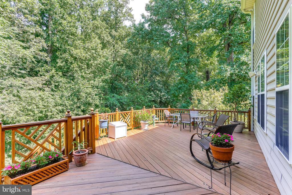 Gorgeous Deck Off Breakfast Nook! Private! - 8728 HIDDEN POOL CT, LAUREL
