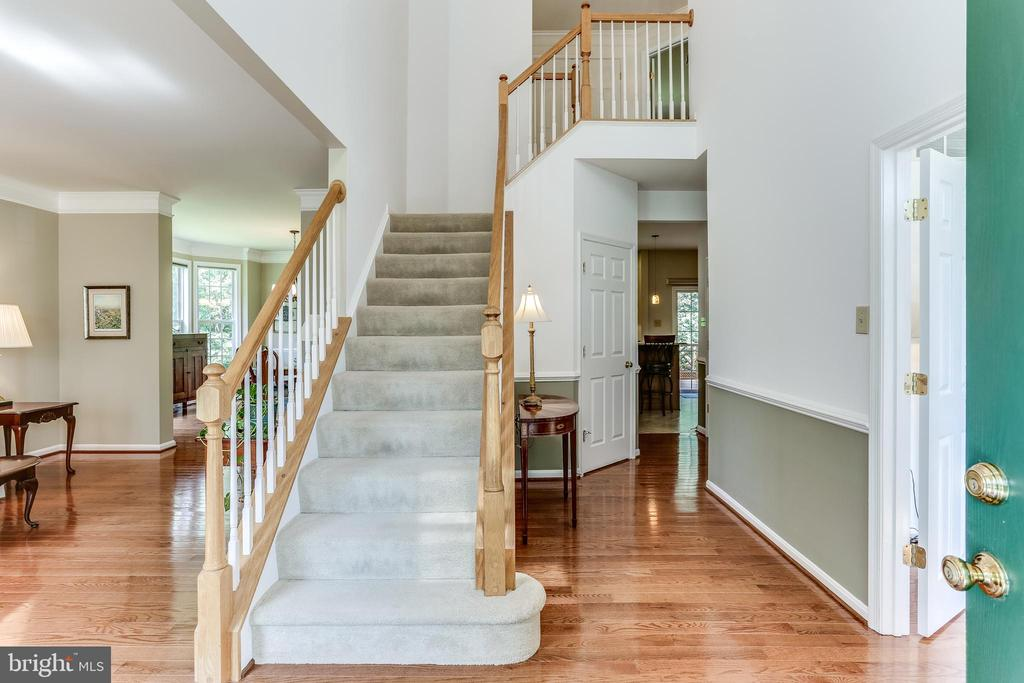 Welcoming Two Story Foyer with Gleaming Hardwoods - 8728 HIDDEN POOL CT, LAUREL