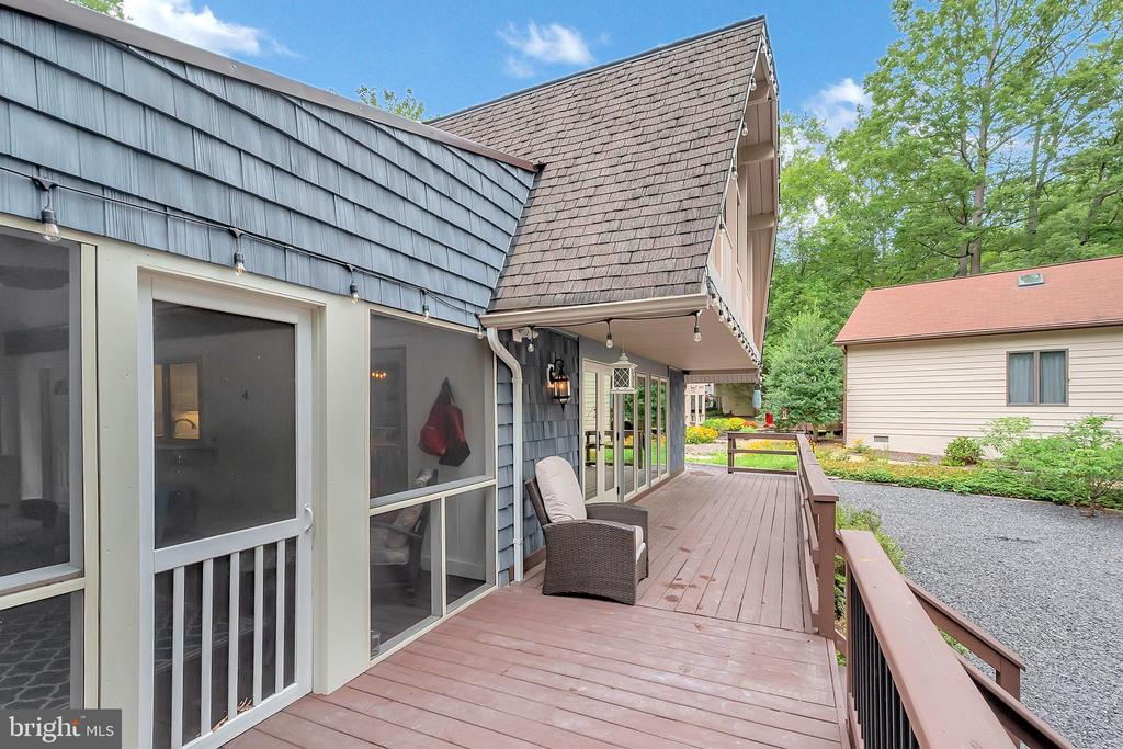 Back deck - 1201 LAKEVIEW PKWY, LOCUST GROVE