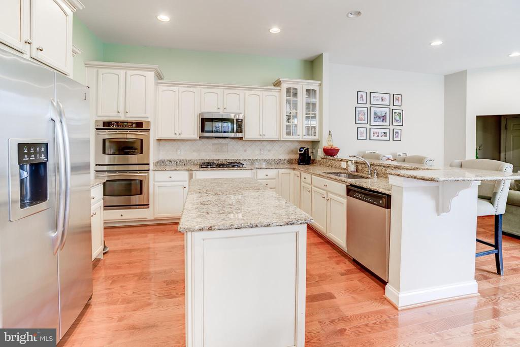 - 43600 CANAL FORD TER, LEESBURG