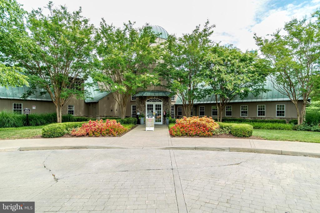 Potomac Club with indoor pool, fitness room & more - 43600 CANAL FORD TER, LEESBURG