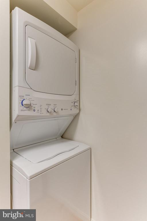 Washer and dryer in the unit - 805 N HOWARD ST #336, ALEXANDRIA