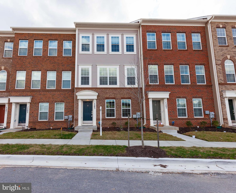Single Family Homes pour l Vente à Beltsville, Maryland 20704 États-Unis