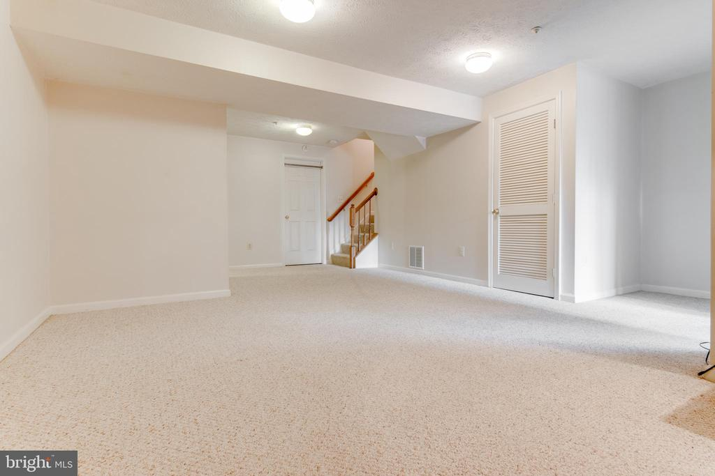 Lots of light and space downstairs - 8873 OLD SCAGGSVILLE RD, LAUREL