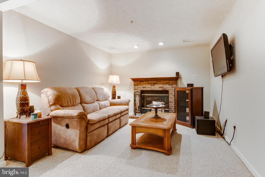 Fireplace in downstairs family room - 8873 OLD SCAGGSVILLE RD, LAUREL