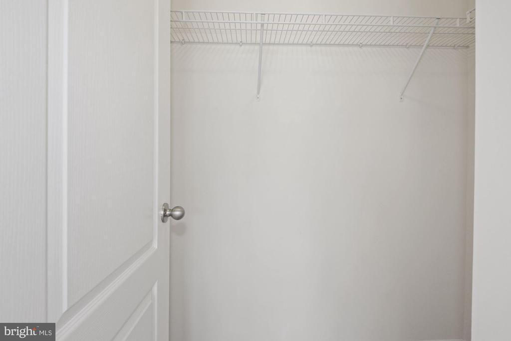 Master Bedroom Additional Closet - 43666 CHICACOAN CREEK SQ, LEESBURG