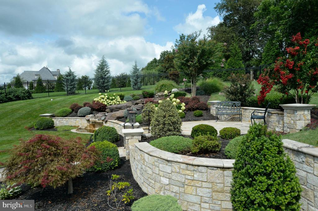 Stunning stone walls & multi-level terraces - 40483 GRENATA PRESERVE PL, LEESBURG