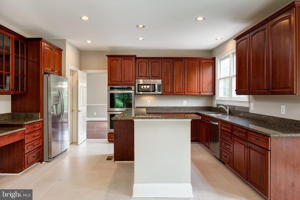 Entertain in style! - 42428 HOLLY KNOLL CT, ASHBURN