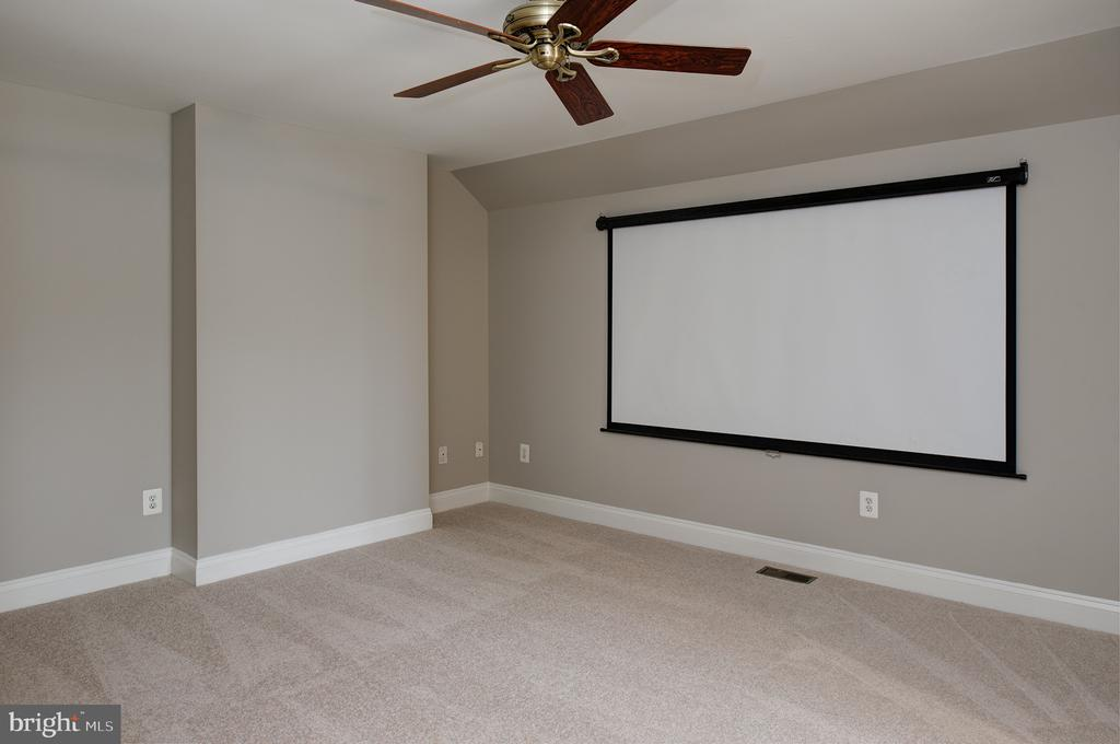 Attic Theater or Second Office - 42428 HOLLY KNOLL CT, ASHBURN