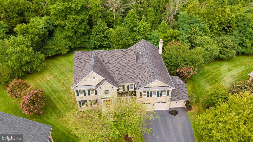 Stunning Stone Front Luxury Home in Ashburn ! - 42428 HOLLY KNOLL CT, ASHBURN