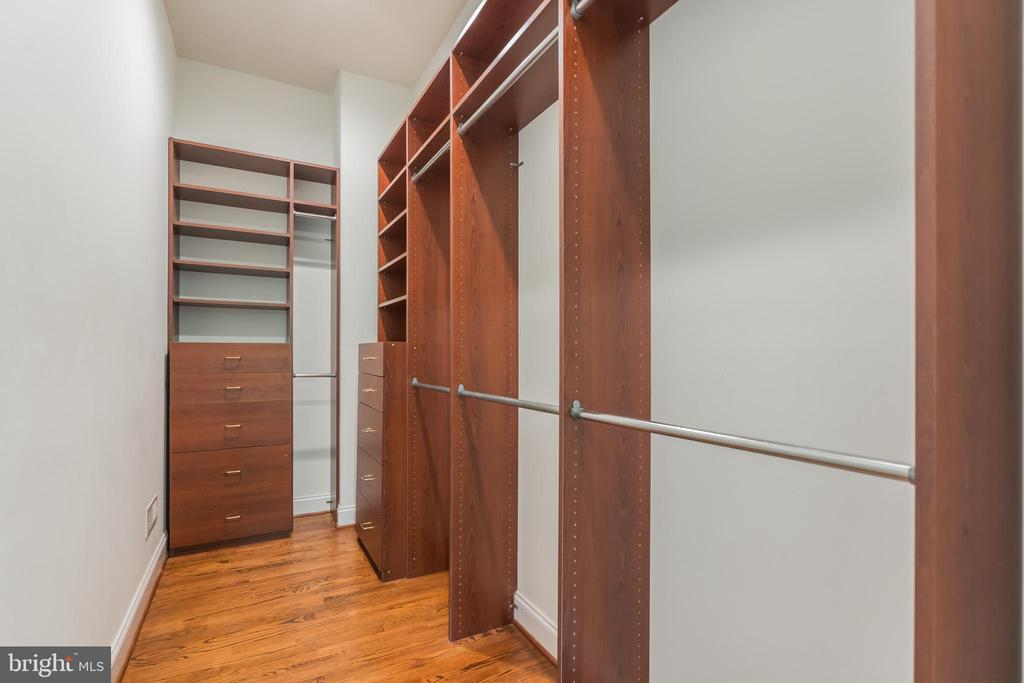 Master Bedroom Closet - 5229 GRIFFITH RD, GAITHERSBURG