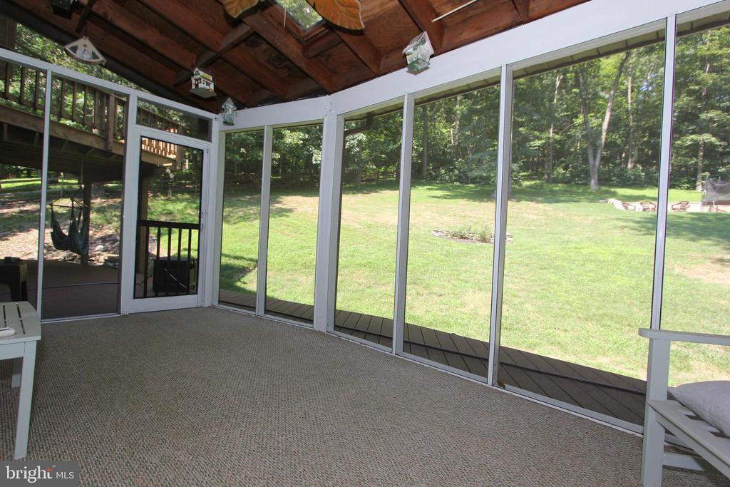 Screened porch, view3 - 5520 BOOTJACK DR, FREDERICK