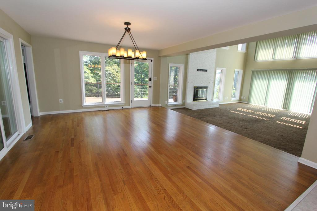 Breakfast room, view 2 - 5520 BOOTJACK DR, FREDERICK
