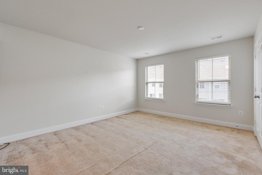 Main level Bedroom #2 view - 4512 POTOMAC HIGHLANDS CIR, TRIANGLE