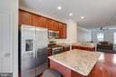Kitchen with appliances #2 - 4512 POTOMAC HIGHLANDS CIR, TRIANGLE