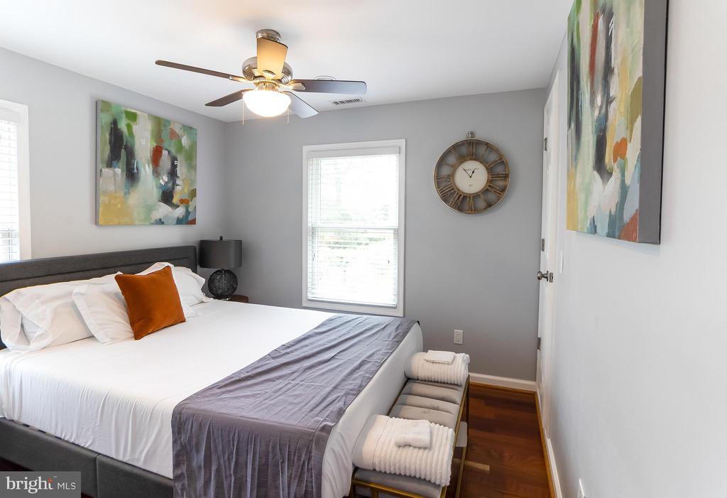 2 bedroom - 2209 FRANKLIN ST NE, WASHINGTON