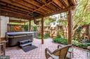 Well Landscaped and Manicured backyard - 20938 SANDSTONE SQ, STERLING