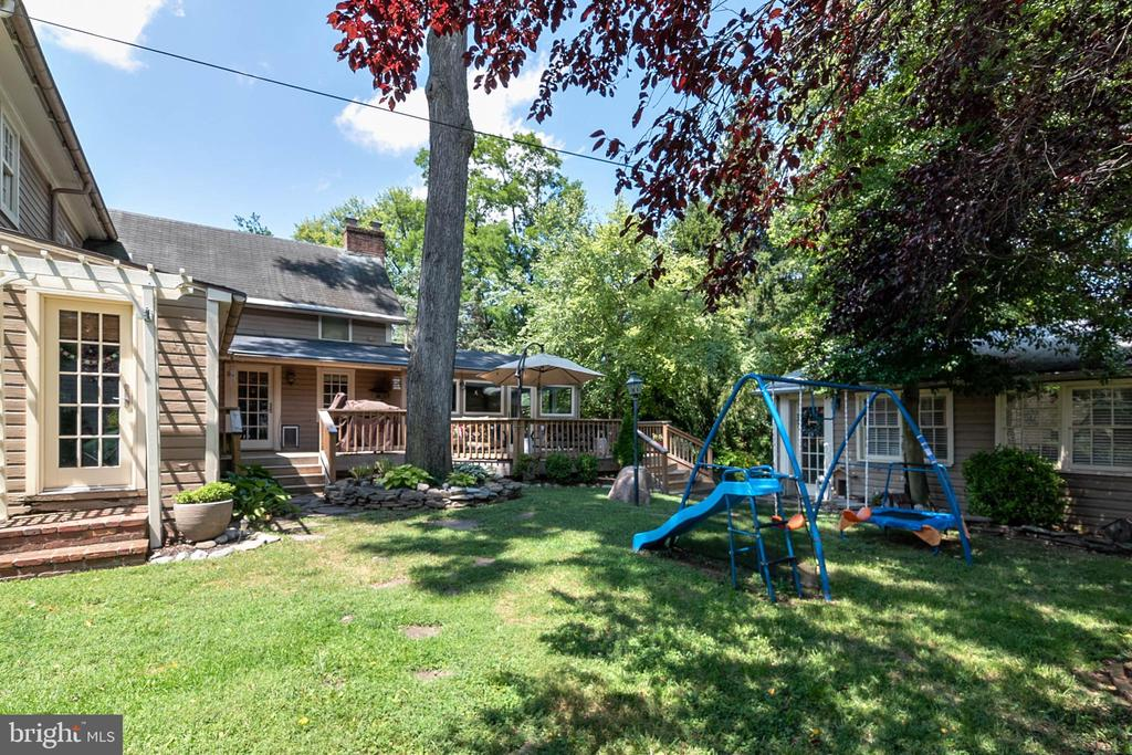 Spacious Side Yard - 51 W MAIN ST, NEW MARKET