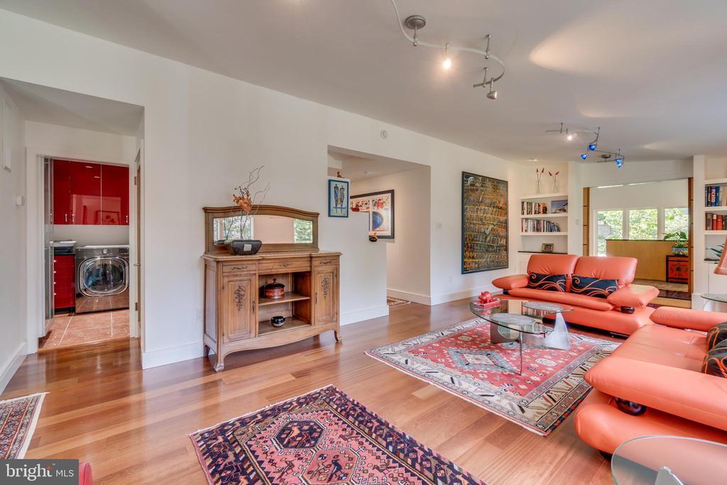 Modern furniture/decor throughout is negotiable... - 13814 ALDERTON RD, SILVER SPRING