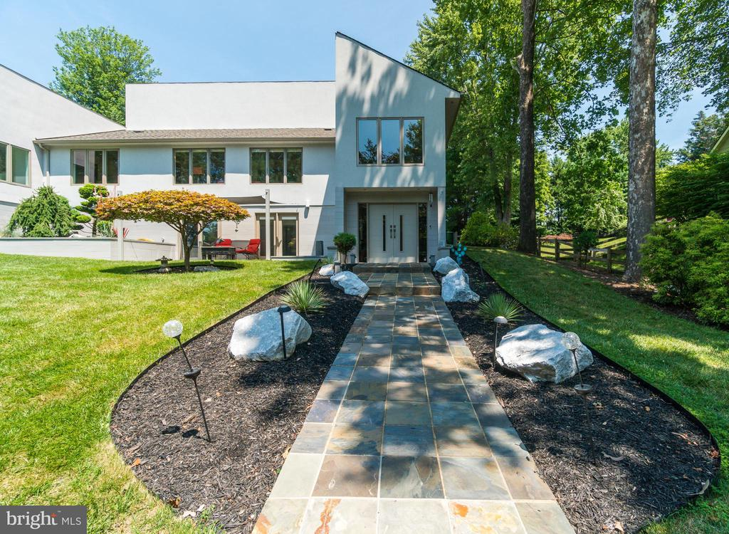 Stone entry leading to the home.... - 13814 ALDERTON RD, SILVER SPRING