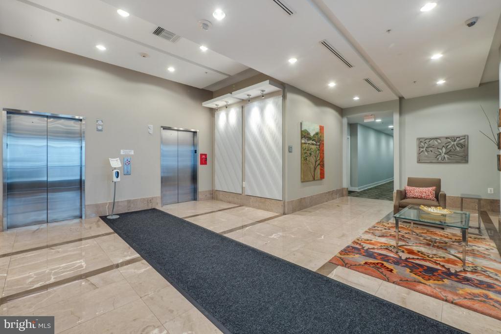 Hawthorn lobby - 820 N POLLARD ST #603, ARLINGTON