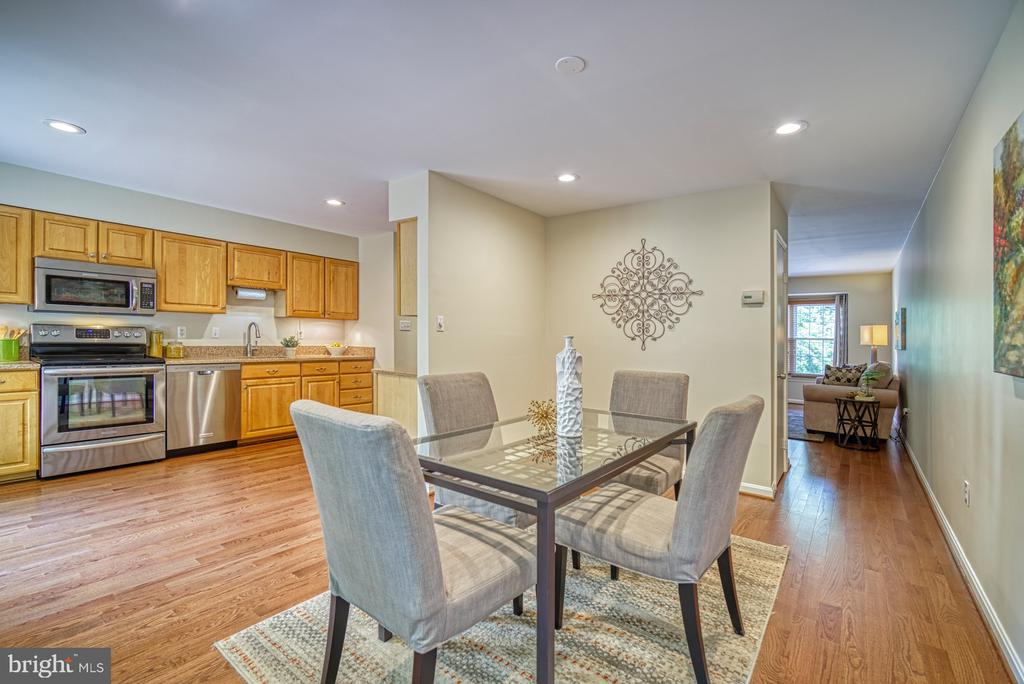 Wonderful open flow - 7104 BEDSTRAW CT, SPRINGFIELD