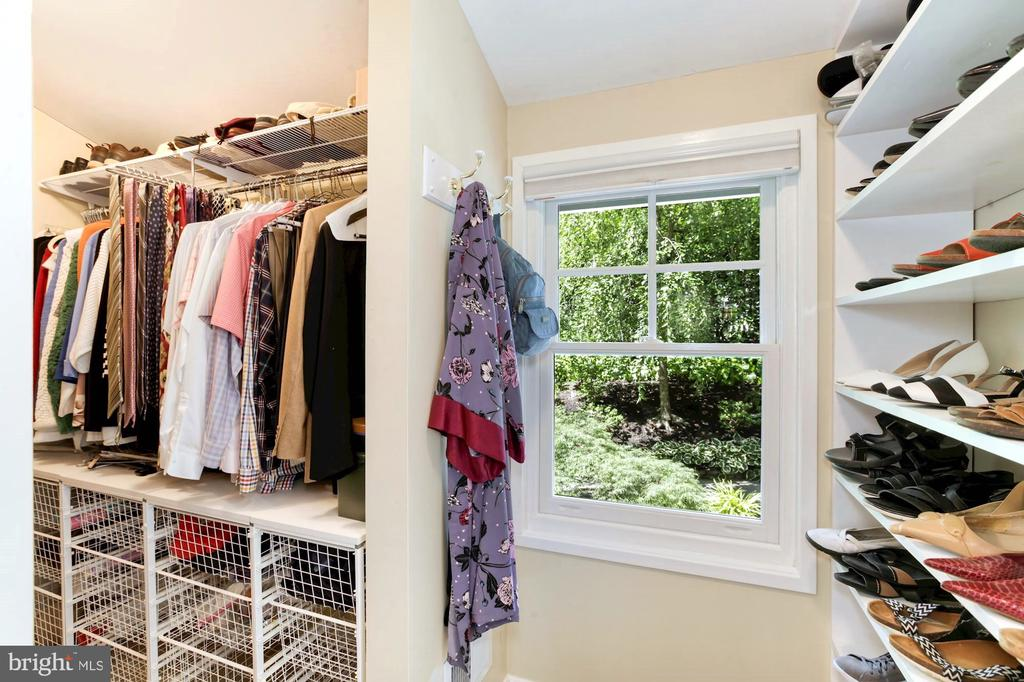 WALK-IN CLOSET IN MASTER WITH SHOE SHELF - 9500 WOODSTOCK CT, SILVER SPRING